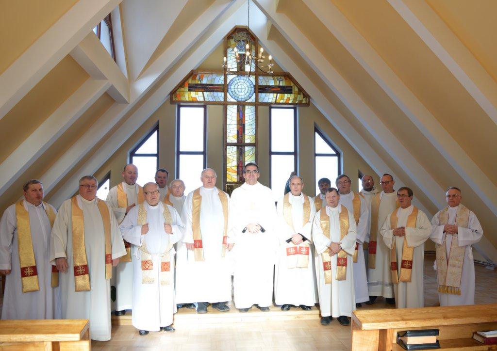 Kapłani na rekolekcjach w Lubaszowej